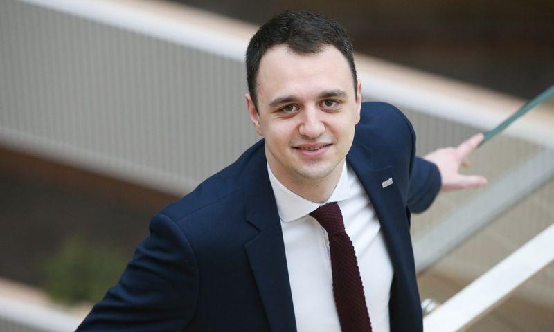 """""""Pastaraisiais metais tarptautinėje susijungimų ir įsigijimų rinkoje įmonių sandorių skaičius nuosekliai augo, šios tendencijos atsispindi ir Lietuvos rinkoje"""", – sako Mantas Šnioka, UAB """"KPMG Baltics"""" konsultantas. Vladimiro Ivanovo (VŽ) nuotr."""
