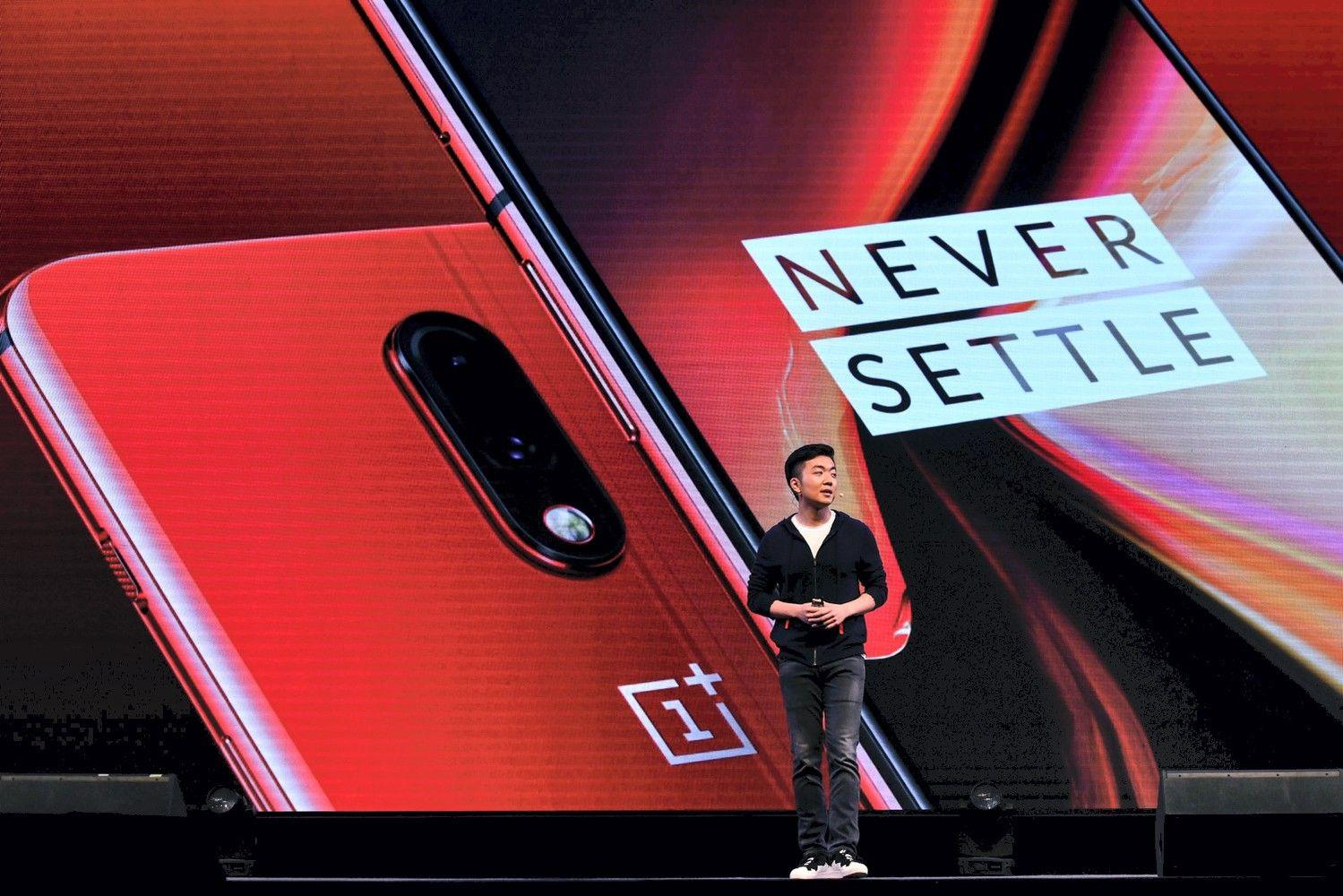 """Nauji telefonų modeliai: """"Palaikyk mano drakoną"""" arba džiuginanti Kinijos gamintojų konkurencija"""
