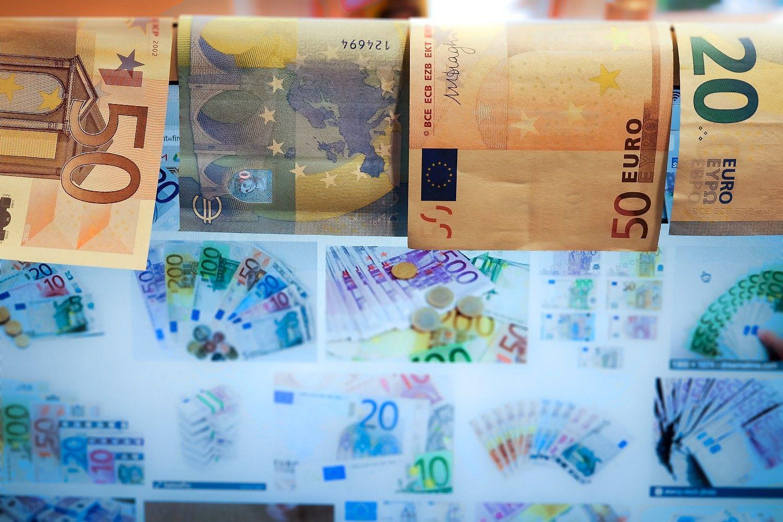 Bankų (ne)skolinimas: kas skundžiasi, o kas mato balansą
