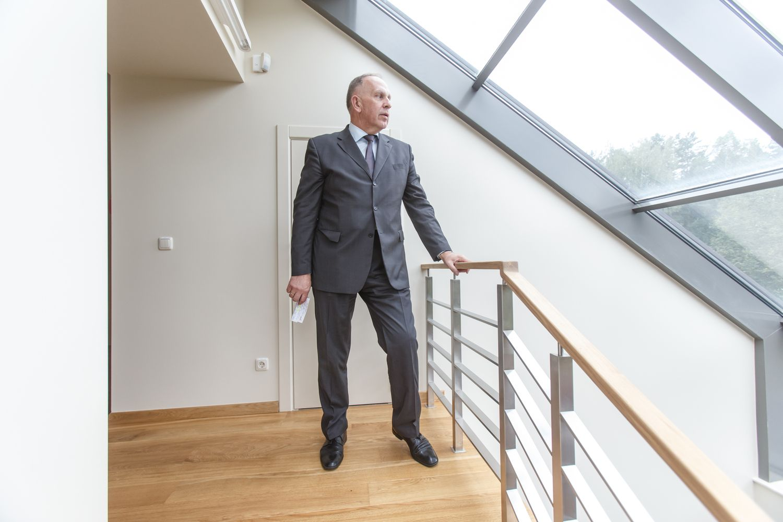 Ambasadrius RemigijusMotuzasgalėjo padaryti tarnybinį nusižengimą, teigia prokuratūra