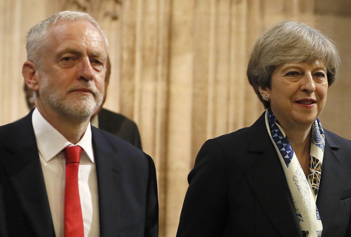 """Tarppartinės derybos dėl """"Brexit"""" žlugo"""