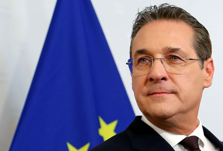 Slaptas įrašas iš posto išvertė Austrijos vicekanclerį