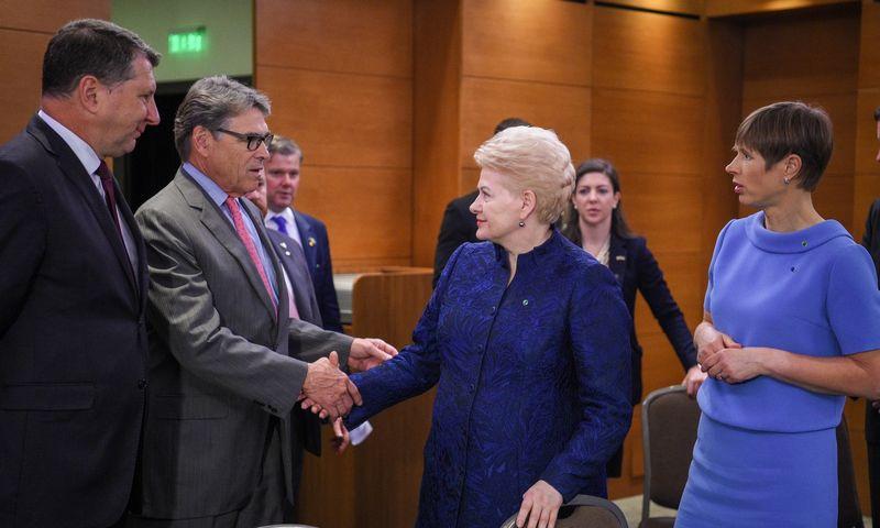 Baltijos šalių prezidentų ir Ricko Perry`io, JAV energetikos sekretoriaus, susitikimas. Prezidentės spaudos tarnybos nuotr.