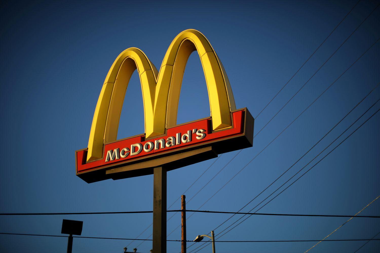 """Austrijos """"McDonald's"""" restoranai padės pasus pametusiems JAV piliečiams"""