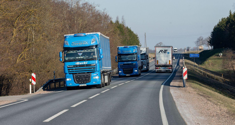 Transporto sektorių pirmąjį ketvirtį augino uostas ir vežėjai keliais