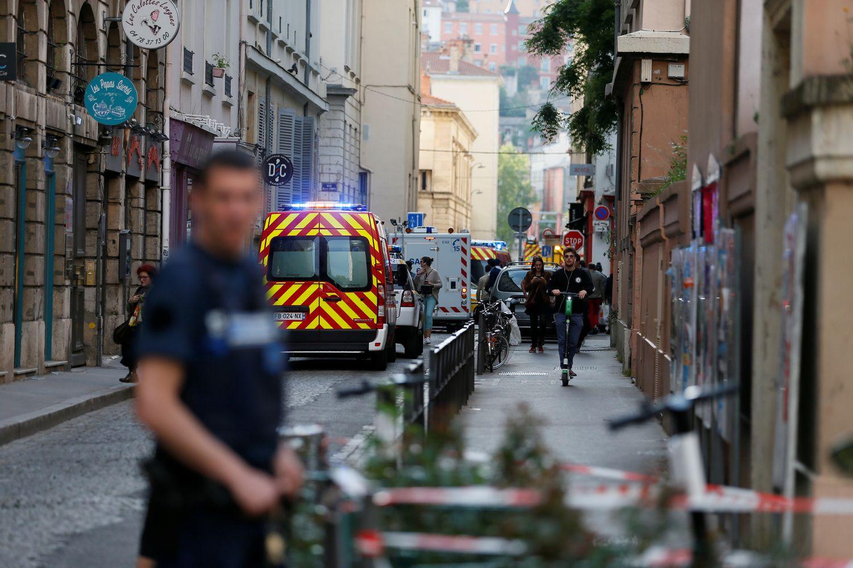 Lione sprogęs paketas sužeidė 13 praeivių