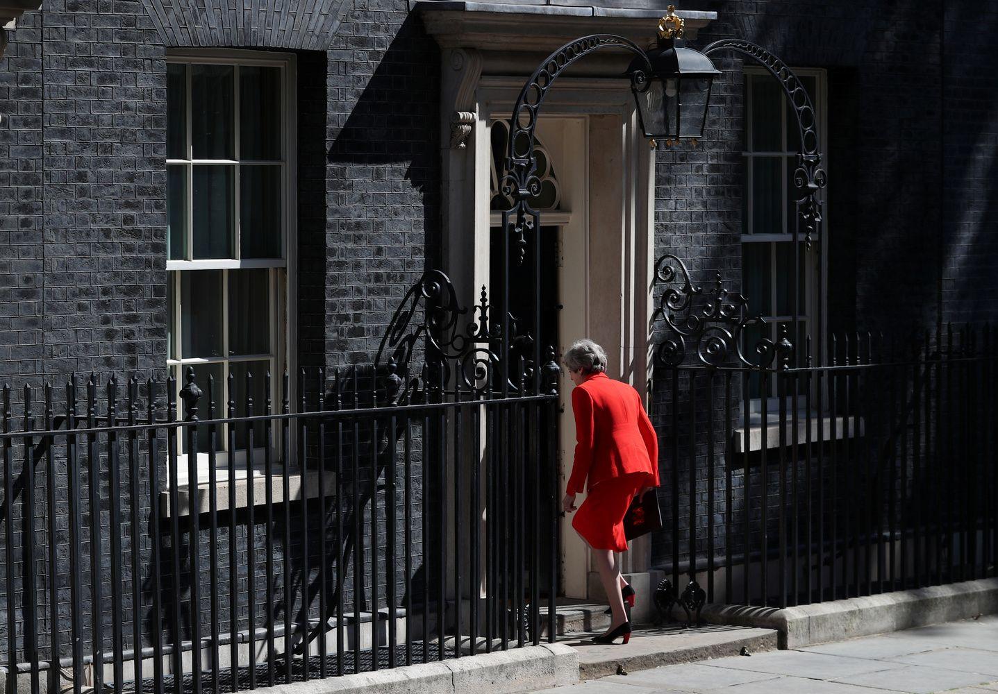 """Th. May pasidavė, bet """"Brexit"""" aklavietė išlieka"""
