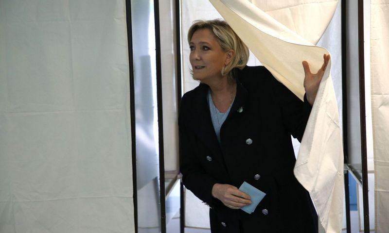 """Marine Le Pen, Prancūzijos kraštutinių dešiniųjų partijos """"Nacionalinio susibūrimo"""" (""""Rassemblement National"""") partijos lyderė. Alain Robert """"SIPA""""/""""Scanpix"""" nuotr."""