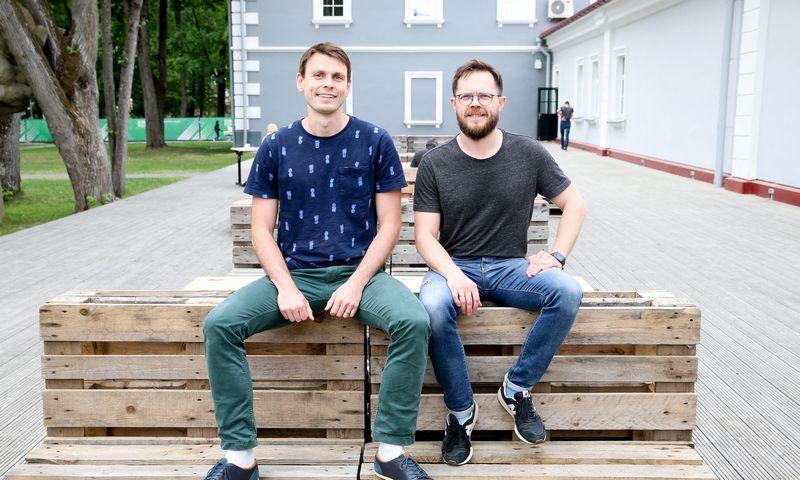 """Gediminas Mazrimas (kairėje) ir Saulius Petraitis, MB """"Idėjų horizontai"""", valdančios išmaniosios gamybos sprendimų startuolį """"Smarty.lt"""", įkūrėjai Vladimiro Ivanovo (VŽ) nuotr."""