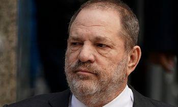 Teismo laukiantis H. Weinsteinas aukoms sumokės 44 mln. USD
