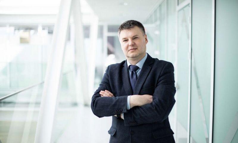 Prof. Vaidotas Marozas, KTU Biomedicininės inžinerijos instituto direktorius, sako, kad rudenį Vilniaus Santariškių klinikose planuojama pradėti ilgalaikius tyrimus – pacientams, išleidžiamiems namo, ši apyrankė bus suteikiama mažiausiai mėnesiui ir jų širdis bus visą laiką stebima. KTU nuotr.