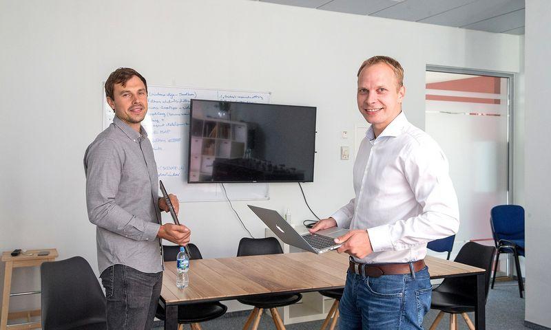 """Justinas Rastauskas, buvusios UAB """"Nordcode"""" vadovas (kairėje), ir Jonas Tirevičius, buvusios UAB """"ZET Technologijos"""" vykdomasis direktorius. Juditos Grigelytės (VŽ) nuotr."""