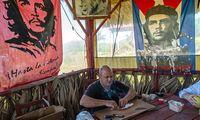 """Kubos prekė turistams: iki ir po """"El Triunfo"""""""