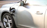 Skaičiai:4 automobiliai iš5-ių bus elektriniai