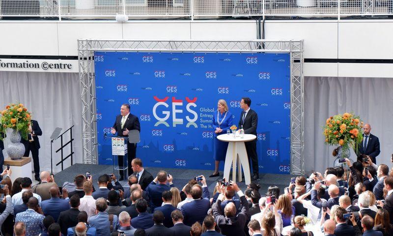 """Mike'as Pompeo, JAV Valstybės sekretorius, Hagoje, Nyderlanduose, prasidėjusiame Pasaulio verslumo susitikime (""""Global Entrepreneurship Summit 2019"""", GES2019). Gabijos Sabaliauskaitės (VŽ) nuotr."""