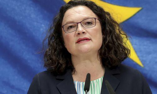 Vokietijoje atsistatydinus SPD lyderei, kalbos – apie galimą vyriausybės griūtį