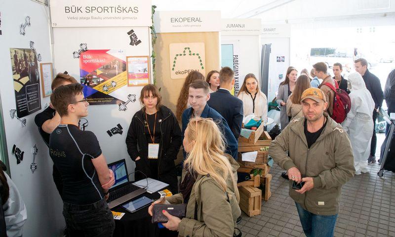 Nacionalinė moksleivių bendrovių ir startuolių mugė 2019 S. Daukanto aikštėje Vilniuje. Juditos Grigelytės (VŽ) nuotr.