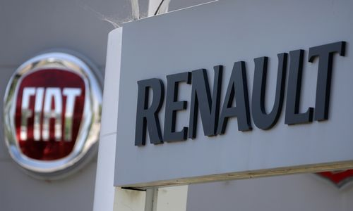 """""""Fiat Chrysler"""" atsiima pasiūlymą jungtis su """"Renault"""""""