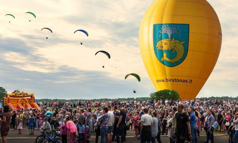 Birštone birželio 6–9 d. vyksta XXVII Lietuvos karšto oro balionų čempionatas. Rengėjų nuotr.