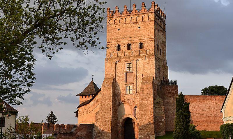 Lucko širdyje stūksanti Liubarto pilis – bendros Lietuvos ir Ukrainos istorijos saugotoja. Albino Marciniako nuotr.