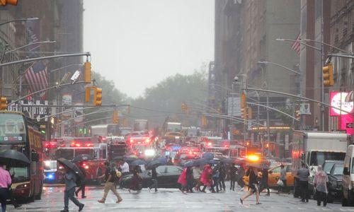 Niujorke ant dangoraižio stogo nukrito sraigtasparnis