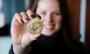 Bitkoinas pirmą kartą per 13 mėn. šturmavo 9.000 USD