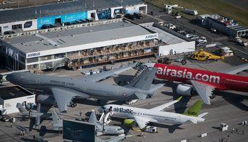 Aviacijos sektoriuje įžvelgia ekonomikos nuosmukio signalus