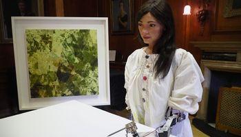 Humanoidas Ai-Da surengė pirmąją savo kūrybos parodą