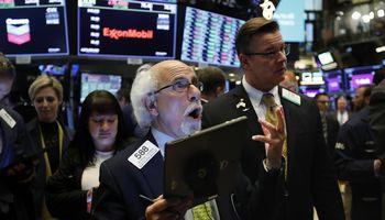 FED į vakarėlį užvežė gėrimų – S&P 500 atsidūrė rekordinėje zonoje