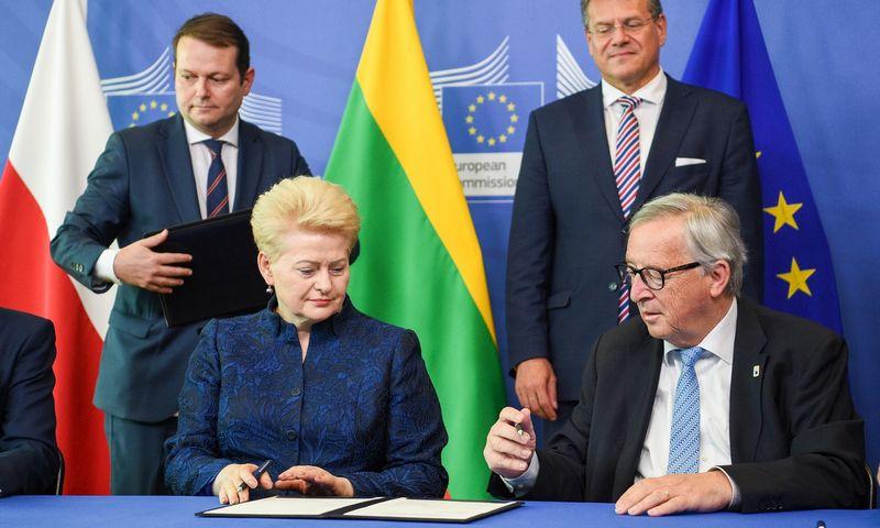 Prezidentė Dalia Grybauskaitė ir Europos Komisijos Pirmininkas Jeanas Claude'as Junckeris. Roberto Dačkaus (LR Prezidento kanceliarija) nuotr.