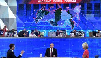 Gyvenimo lygiui smunkantV. Putinas skaičiuojaVakarų sankcijų naudą