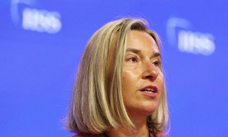 """Federica Mogherini, ES užsienio politikos vadovė, džiaugiasi ES verslininkų atsparumu Rusijos sankcijų atsakomosioms priemonėms. Yong Teck Limo (AP / """"Scanpix"""") nuotr."""