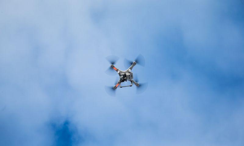 Nuotoliniu būdu valdoma bepilotė skraidyklė (dronas). Vladimiro Ivanovo (VŽ) nuotr.
