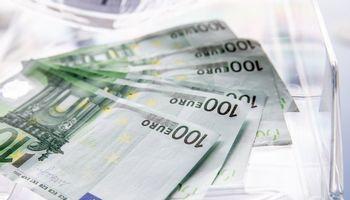 Eurostatas: užsieniui tenkanti Lietuvos skolos dalis – viena didžiausių ES