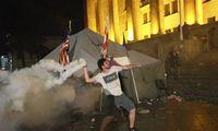 Po protestų atsistatydina Sakartvelo parlamento pirmininkas