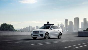 """""""Volvo Cars"""" ir """"Uber"""" gamybai parengė savavaldį automobilį"""