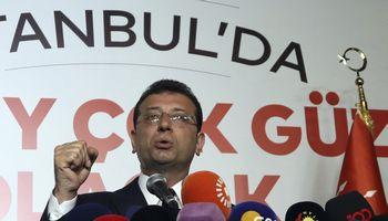 Antrą kartą rengtus Stambulo mero rinkimus laimėjo opozicinės partijos kandidatas