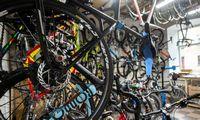 Vieni darbdaviai dviračius nuperka, kiti – neleidžia statyti