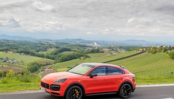 "VŽ bando ""Porsche Cayenne Coupe"": tik dėl akių"