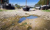 Krentantis upių vandens lygis tampa pavojingas laivybai