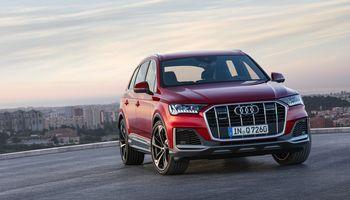"""""""Audi"""" atnaujino didįjį Q7"""