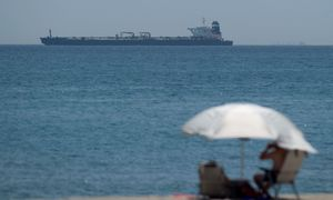 Sulaikytas sankcijų pažeidimuįtariamas Irano naftos tanklaivis