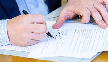 Valdančiosios koalicijos sutartis pasirašyta, keturios partijos pasidalino postus