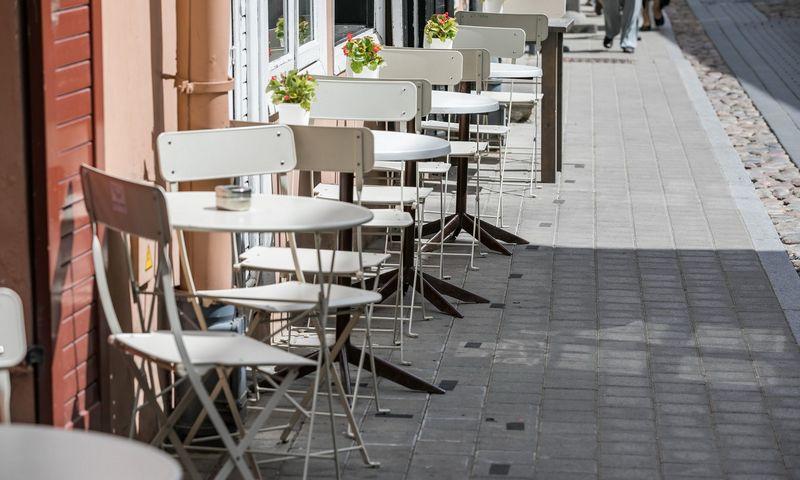Vilniaus lauko kavinių ribas žymės juoda punktyrinė linija. Saulius Žiūros nuotr.