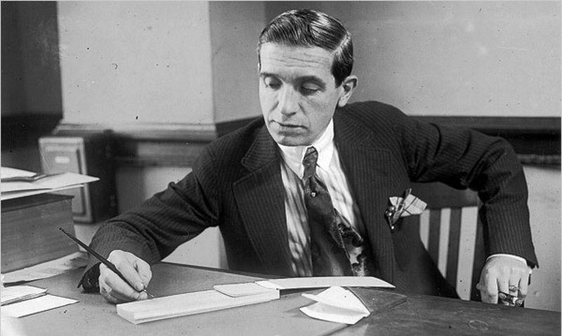 """Carlo Ponzi pavardė iki šiol naudojama apibūdinti aferoms, kai  pelnas sumokamas iš naujų investicijų. """"Wikipedia"""" nuotr."""