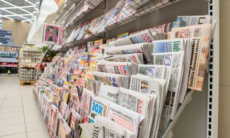 Dauguma analitikų jau senokai prognozuoja popierinių dienraščių – knygos ir nišiniai leidiniai gal ir turi šansų – eros pabaigą. Juditos Grigelytės (VŽ) nuotr.