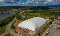 Kaunas pasistatė didžiausią Lietuvoje futbolo maniežą