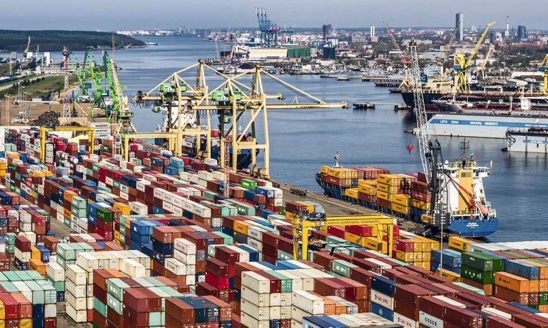 Klaipėdos uostas veikia viešos ir privačios partnerystės principu– investuoja ne tik valstybės žemę valdanti KVJUD, bet ir uoste veikiančios kompanijos– per 25m. verslas uoste investavo dvigubai daugiau nei valstybė.