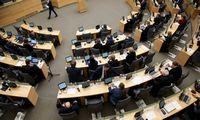 Seimas nuo mokesčių atleido pajamas iš akcijų opcionų