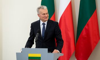 G. Nausėda Lenkijoje sakė negalįs dalyti pažadų dėl pavardžių rašybos